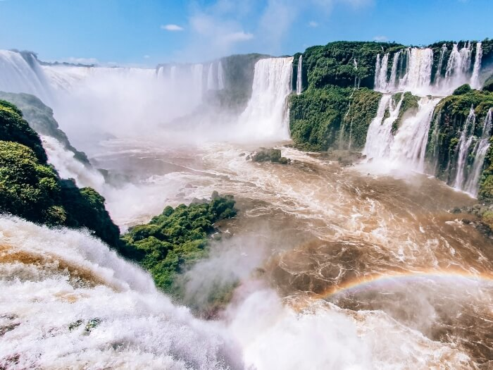 Devil's throat waterfall at Iguazu falls is a must-see attraction if you have 10 days in Brazil